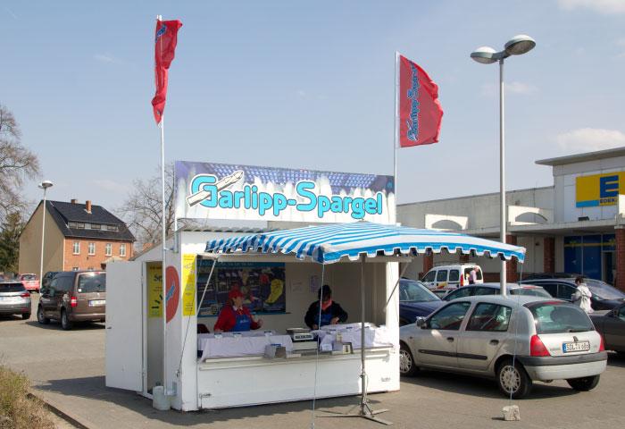 Spargelstand, Verkaufshaus, am EDEKA, Tangermünde, Garlipp-Spargel