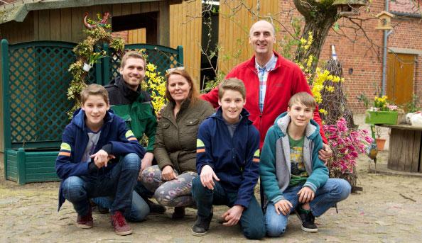 Familie Garlipp auf ihrem Spargelhof